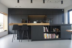 Kitchen black oak 2