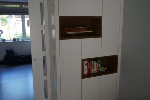 Bookcase white closed 1