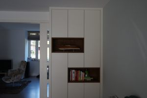 Bookcase white closed 2