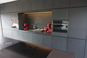 Kitchen black oak 3